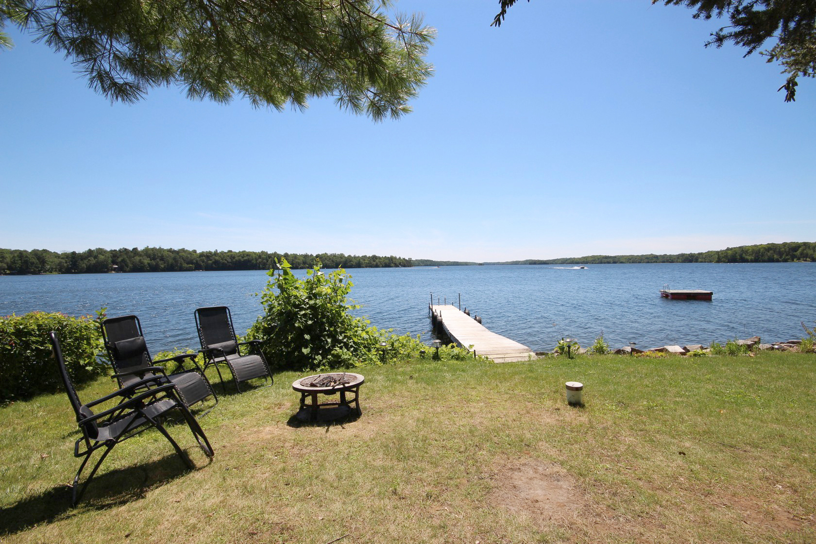 The Oaks Cottages On Crow Lake